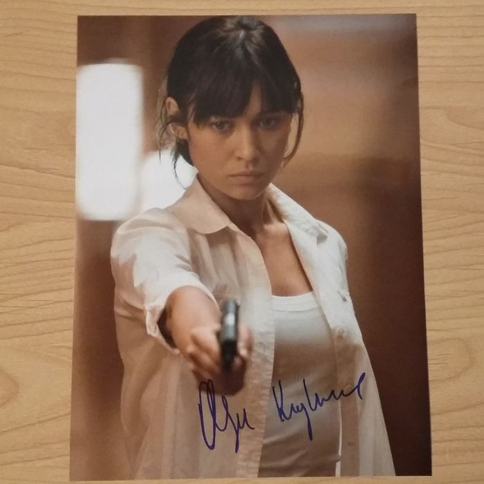 James Bond 007 - Quantum of Solace - Bond Girl Olga Kurylenko - signed photo  -  with Coa