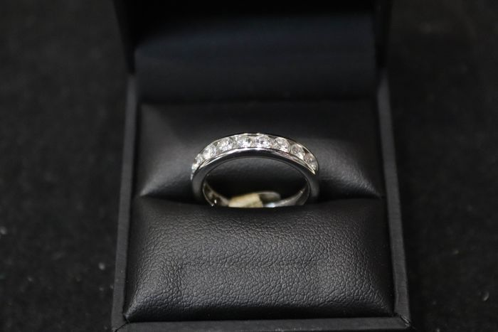 18 kt. White gold - Ring - 1.80 ct Diamond