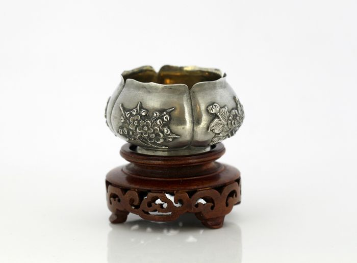 Antique Chinese export silver miniature ink stand with wooden base - 850. Silver - Wing Nam - China - Late 19th century