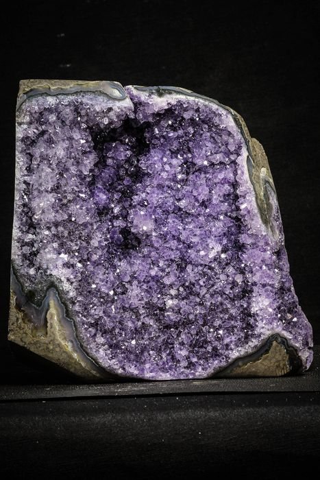 Amethyst (purple variety of quartz) Beautiful Purple Natural Amethyst Geode Minas Gerais District - 1821 g