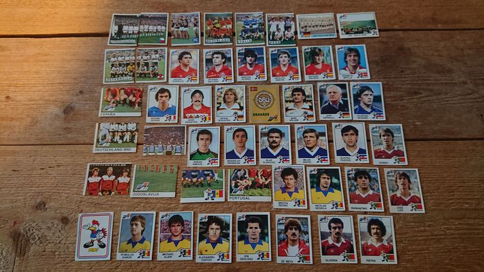 Panini - 48 different loose stickers