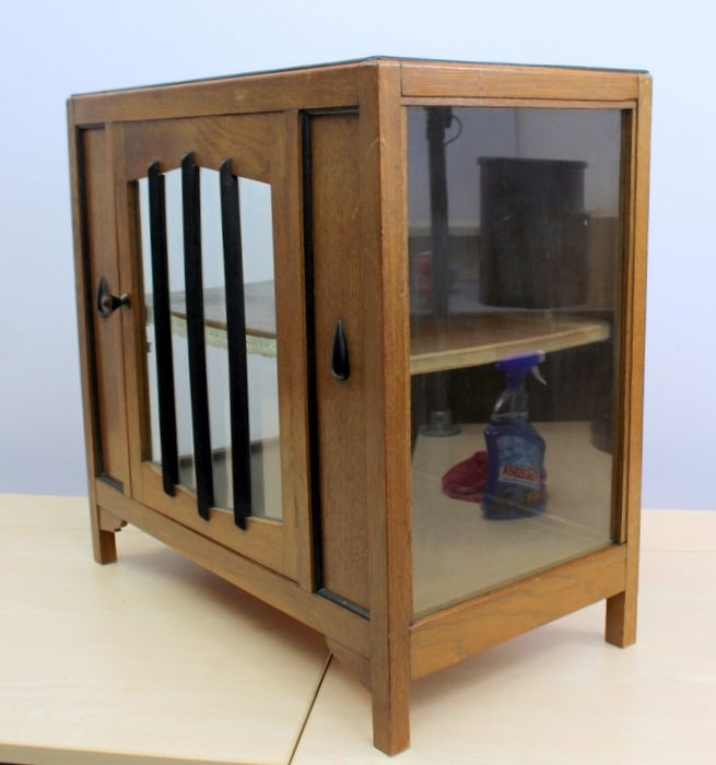 Art Deco tea cupboard with door and centerboard
