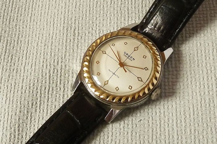 Gruen - Precision Automatic - 460SS and 0637955, inscribed on inside of back.  - Unisex - 1901-1949