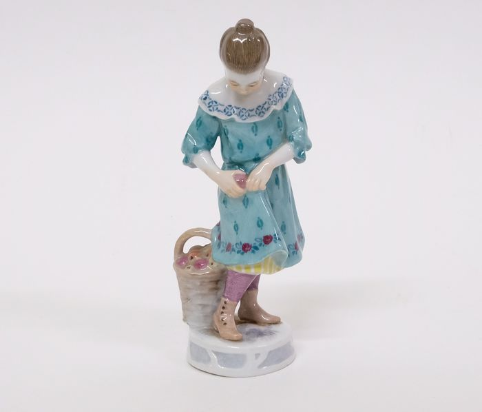 Meissen - Girl with apples - Porcelain