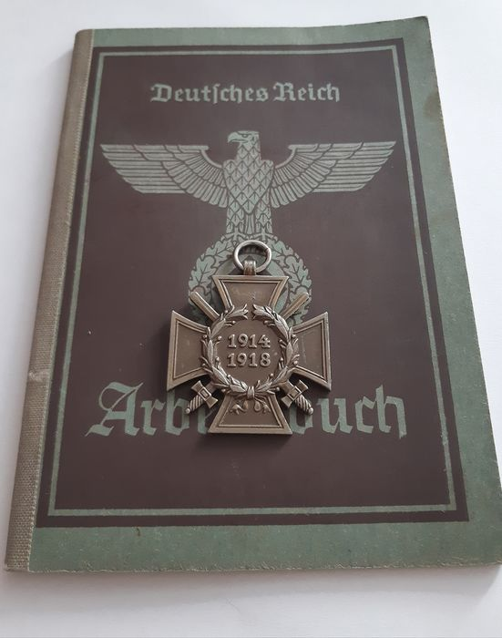 Germany - Army/Infantry - Book, Document,  WW2-  3 Reich . German  Deutsches Reich Arbeitsbuch 1942- Wehrmacht  with the swastika. - 1942