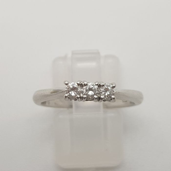 HRD Certificate - 18 kt. White gold - Ring - 0.22 ct Diamond