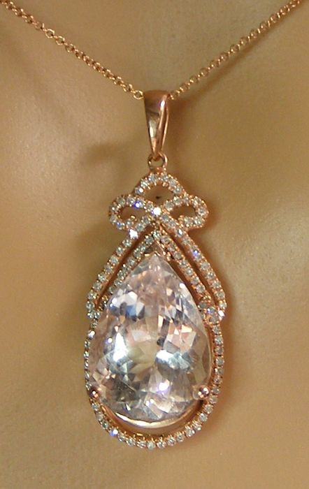 14 kt. Pink gold - Necklace - 7.17 ct VVS Morganite Certified Not Heated by LFG Laboratory - and Diamonds - No reserve price