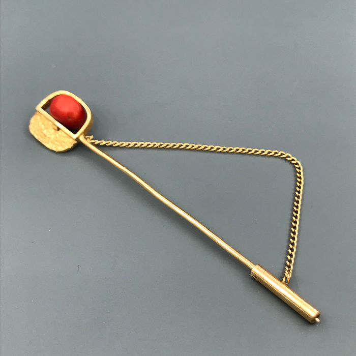 18 kt. Yellow gold - Brooch Coral