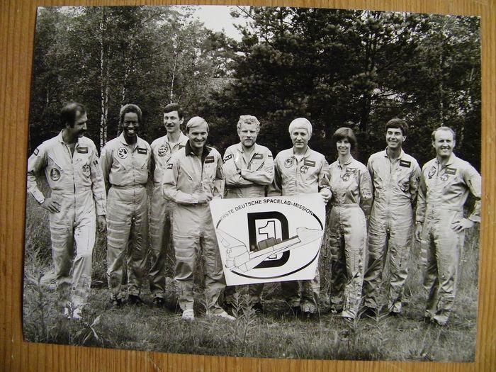German-Dutch space flight: four photos from 1985, from NASA and ESA - Kodak Photo Paper