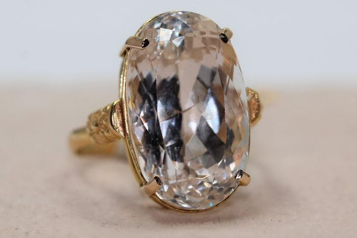 18 kt. Yellow gold - Ring - 10.00 ct Topaz