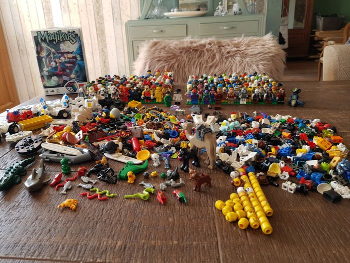 LEGO - assorted mini figures more than 206 with parts and animals