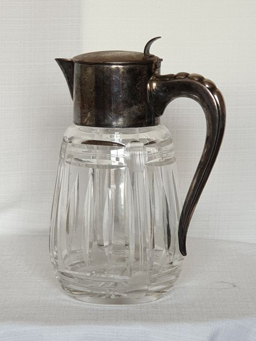 Cut crystal 3 liter water jug with ice holder and fruit strainer