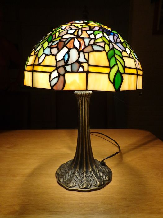 Beautiful Tiffany - Style Table lamp - Glass (stained glass)