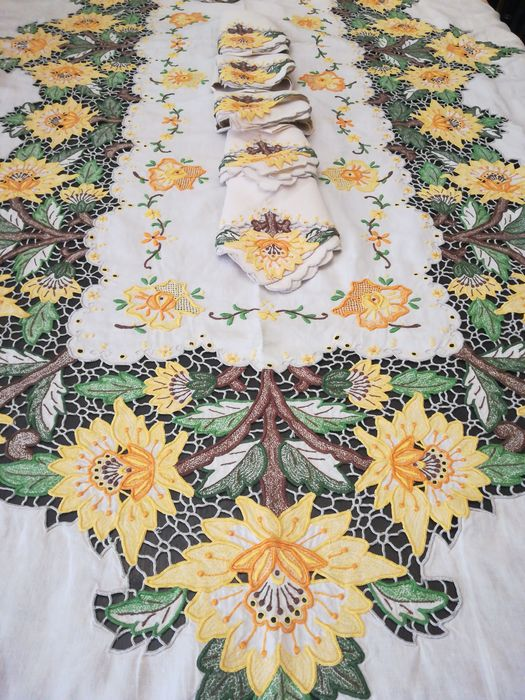 tablecloth, manual embroidery from Madeira island (13) - Linen