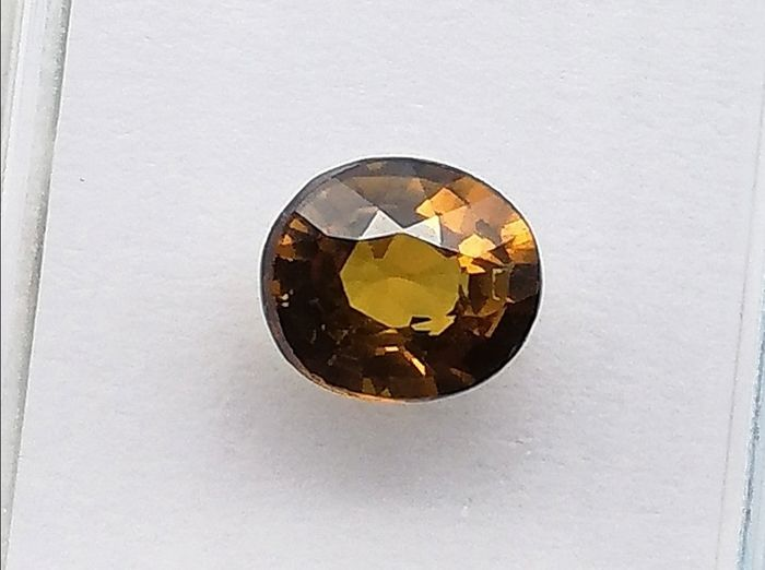 """""""Without reservation"""" - Andradita - Grossularia - 0.83 ct"""