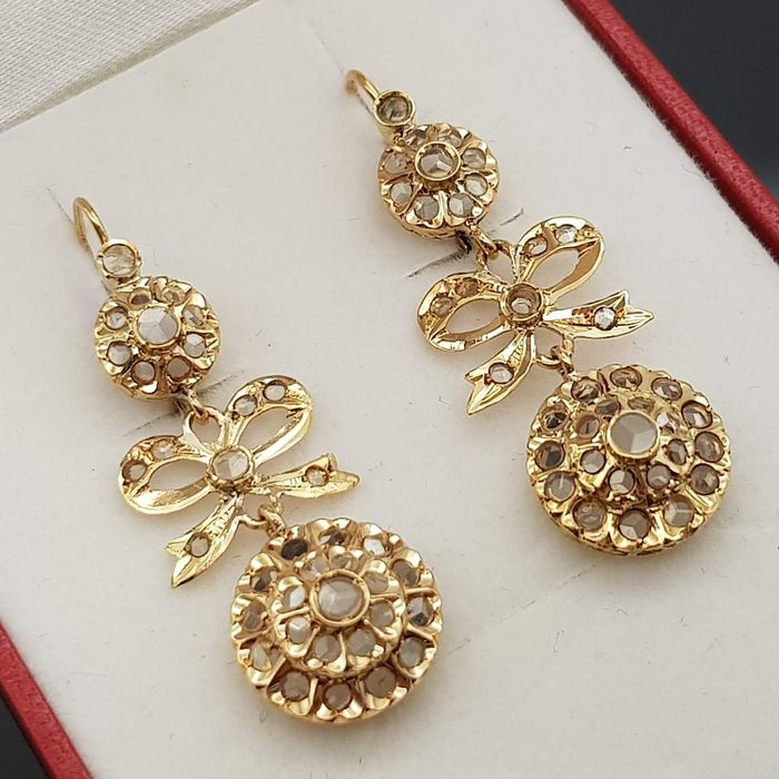 18 kt. Yellow gold - Earrings Rock crystals
