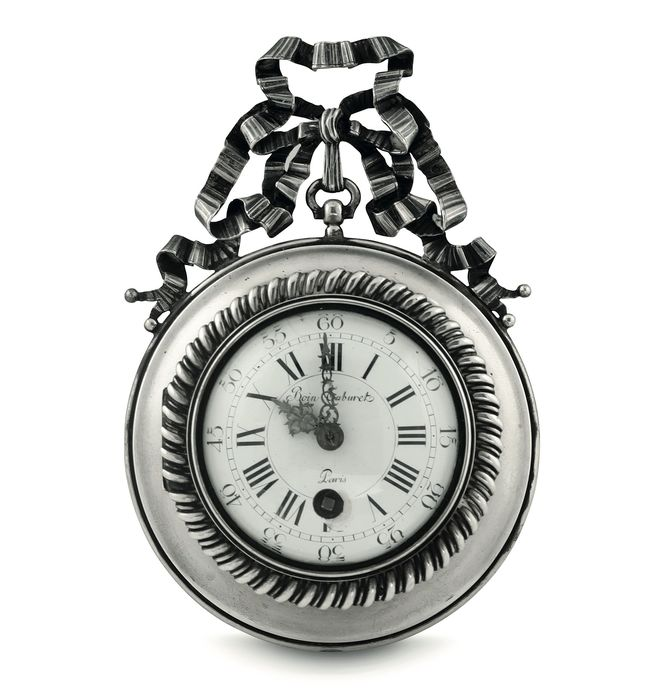 Important Wall Clock in Solid Silver - .950 silver - mid 19th century