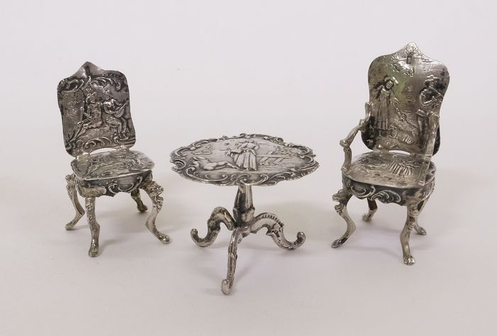 Silver miniature, Sitting corner - Table, chair and armchair - .800 silver - Europe - Second half 20th century