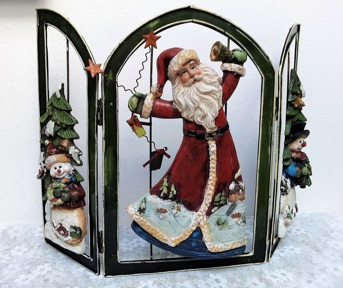 Austrian Christmas triptych with Santa Claus in a red suit and Christmas trees with a snowman - metal with polyresin / sturdy quality / window or fireplace decoration