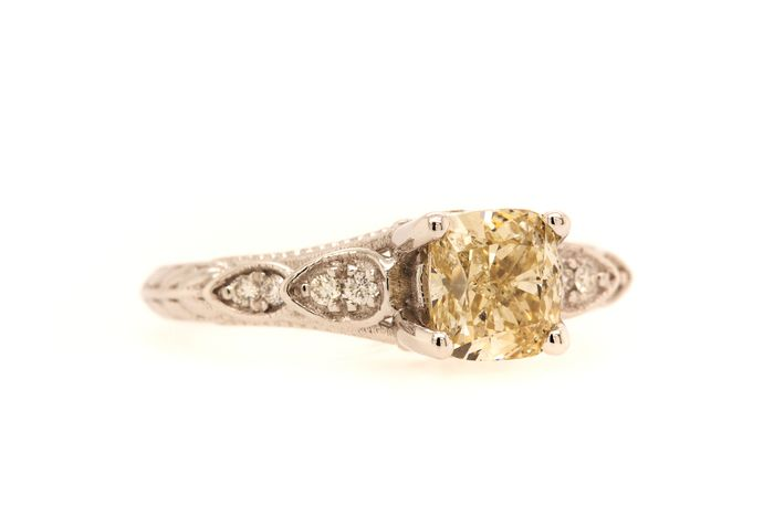14 kt. White gold - Ring - 1.13 ct Diamond - Fancy Yellow - SI1 - No Reserve Price
