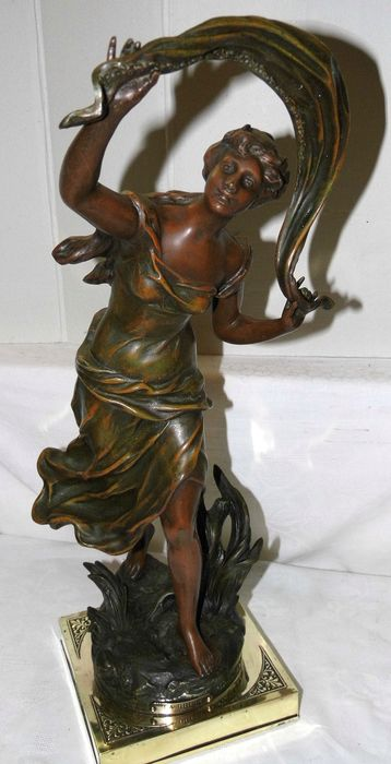 "Charles Théodore Perron (1862-1934) - Sculpture, ""La Brise - 52 cm - Spelter, with copper base - Early 20th century"
