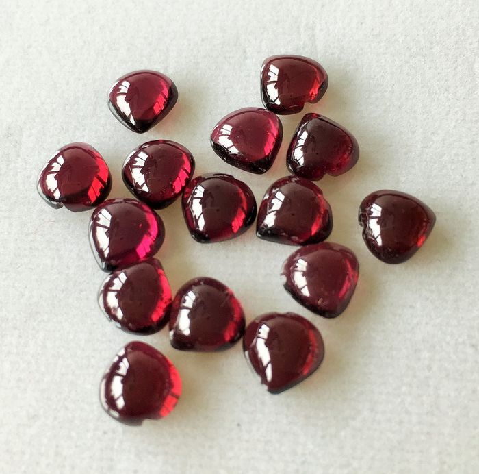 15 pcs Purplish brown Rhodolite Garnet. - 22.76 ct