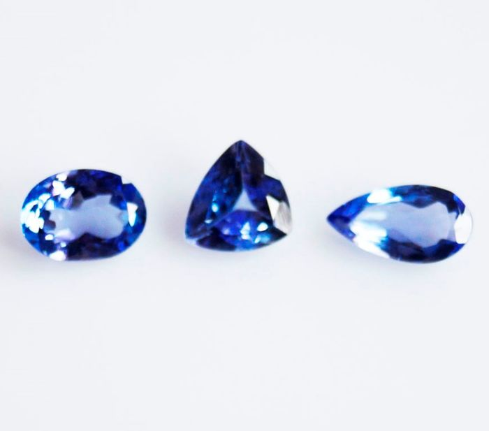 3 pcs  Tanzanite - 1.85 ct