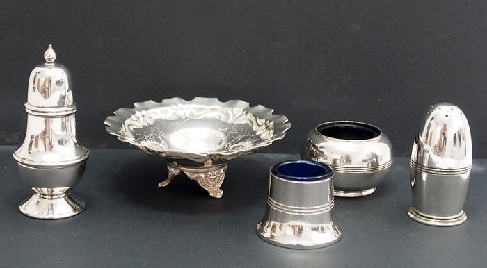 Cruet Set By Frederick Wilson & Co (5) - Victorian - Silverplate