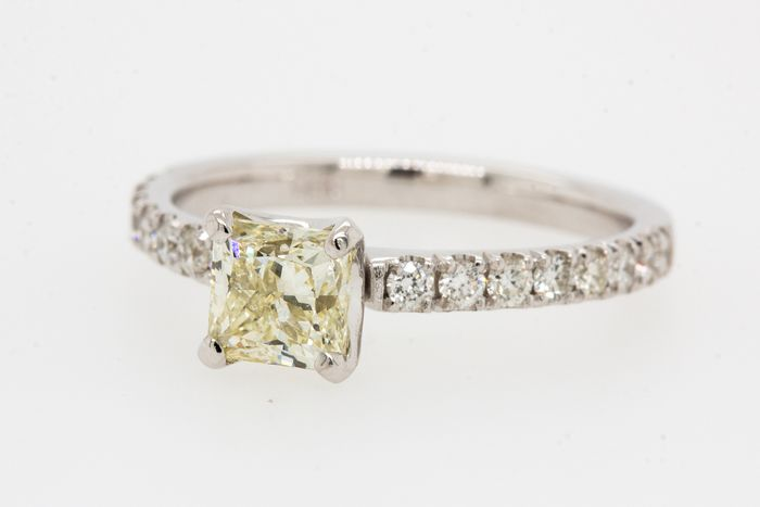 14 kt Weißgold - Ring - 1.28 ct Diamant - Fancy Light Yellow - SI1 - Kein Reservepreis
