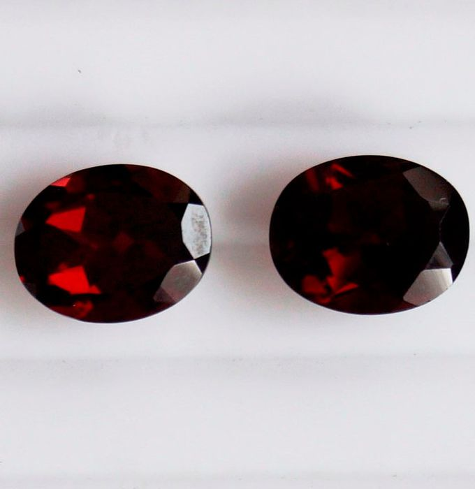2 pcs  Granaat - 7.40 ct
