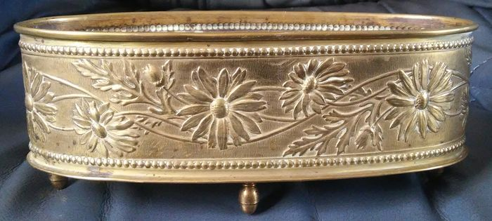 Superb Planter with Dahlias - Art Nouveau - Copper