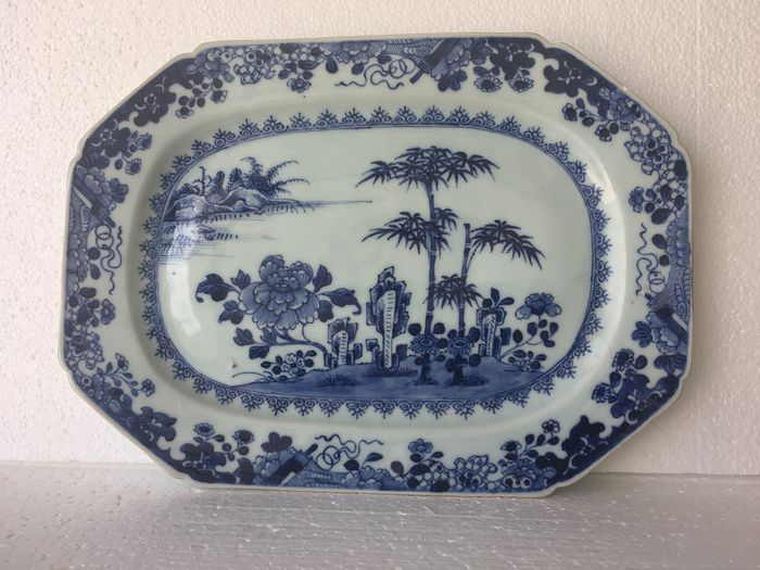 schotel - Blauw en wit - Porselein - China - Qianlong (1736-1795)