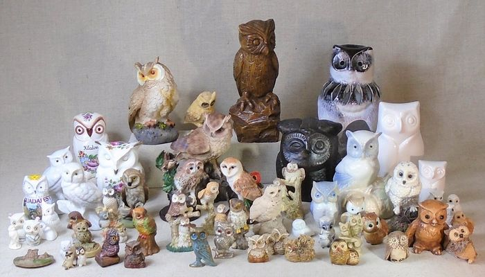 Decorative owls and owls - Pottery, Ceramics, Porcelain (including VAGAint.) Brass, Polystone, Brass, and other materials.