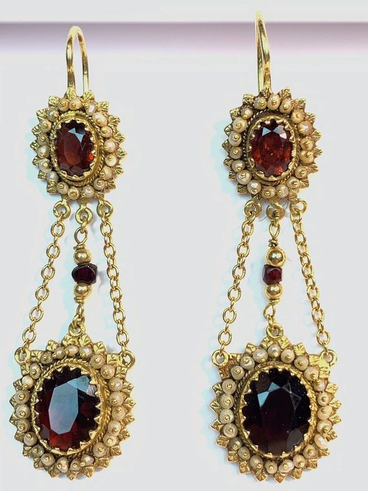 Preview of the first image of 18 kt. Yellow gold - Liberty earrings - 14.00 ct Garnet.