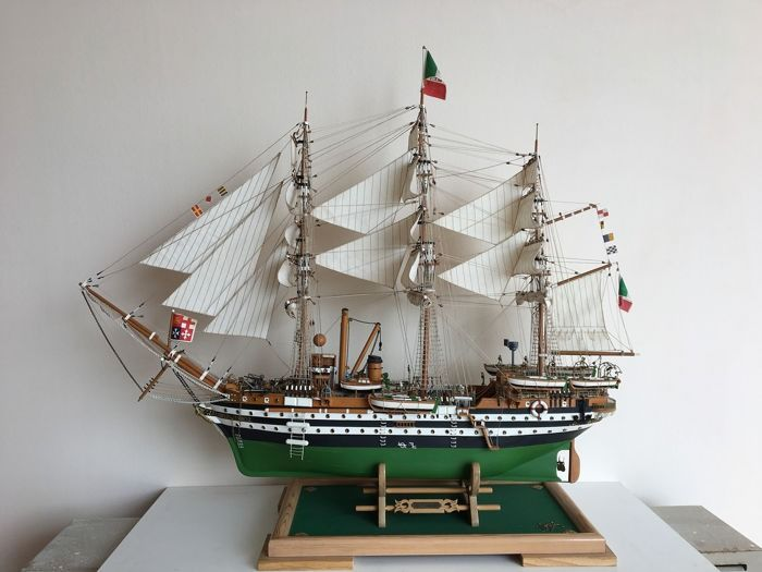 Amerigo Vespucci (1931), Scale model ship - Brass, Wood