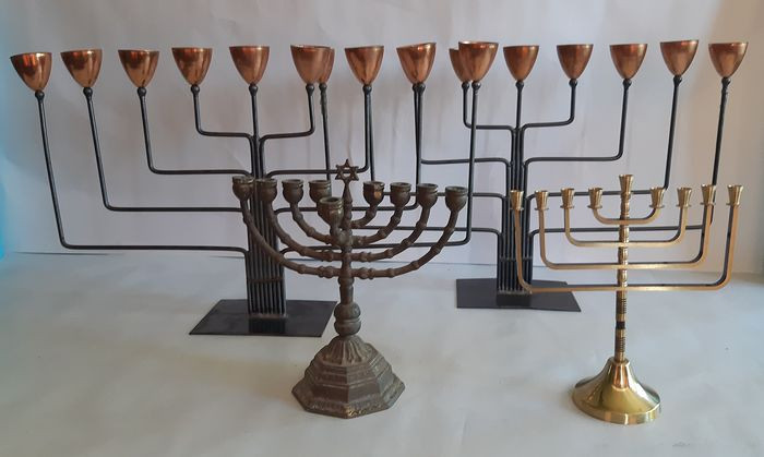 Collection Menorah and Hanukkah (5) - Brass, Iron (cast/wrought)