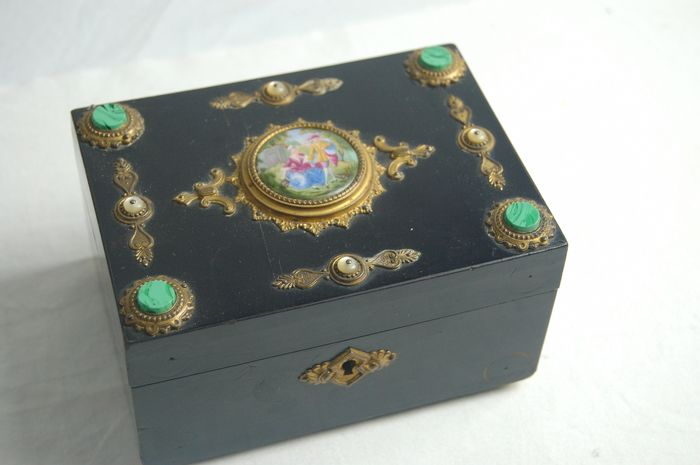 jewelery box - Napoleon III - blackened wood and gold-plated brass - 19th century