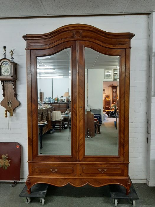 Linen cupboard with mirror doors - Louis Philippe - nuts - Early 20th century