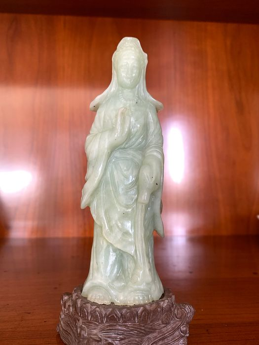 Carving - Hardstone - Guanyin prayer - China - Second half 20th century