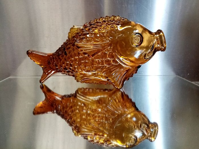 Giunti & Figli  - Large Vintage Italian amber glass bottle in the shape of a fish - Glass