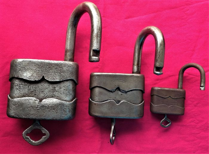 3 padlocks early 1900 - Iron (cast/wrought)
