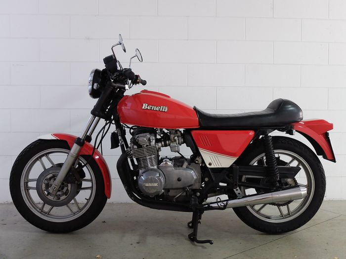 Review of Benelli 654 Sport 1984: pictures, live photos