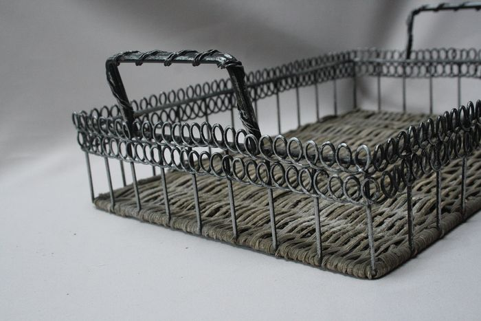 iron brocante french bread basket - iron / braided cane