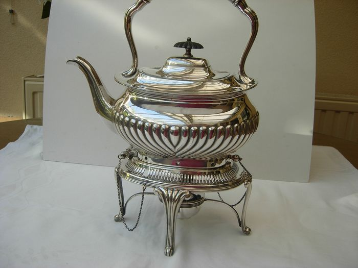 Silver-plated Bouilloire. - Silvered