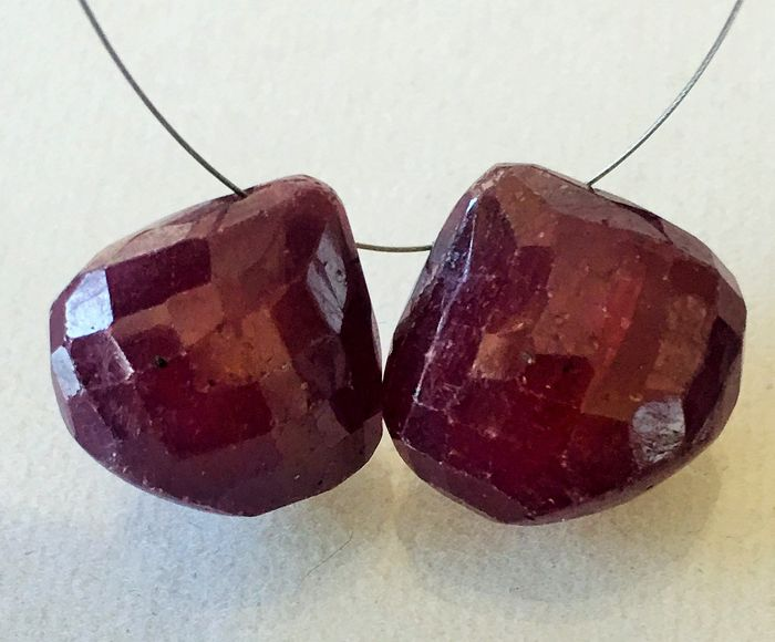2 pcs Red Ruby - 35.91 ct