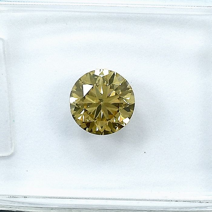 Diamond - 0.71 ct - Brilliant - Natural Fancy Yellowish Brown - Si2 - NO RESERVE PRICE