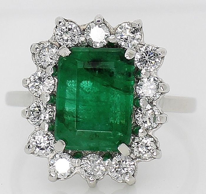 White gold - 18 kt.- Ring - 2.98 ct IGI Emerald 1.12ct VVS- Diamonds