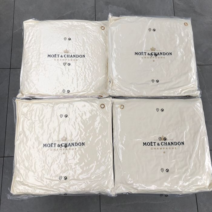 Moet Chandon Pillow set of 4  - Champán
