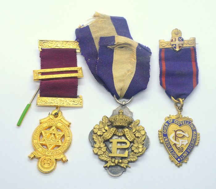Lot of 3 Masonic Medals 1925 - Medal (3) - Brass, Goldplate