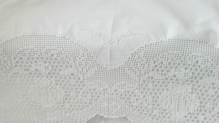 Nice gift to give on a birthday or Christmas or a gift for you - .Excellent Hand Embroidered Cotton Lace Top Sheet - Second half 20th century